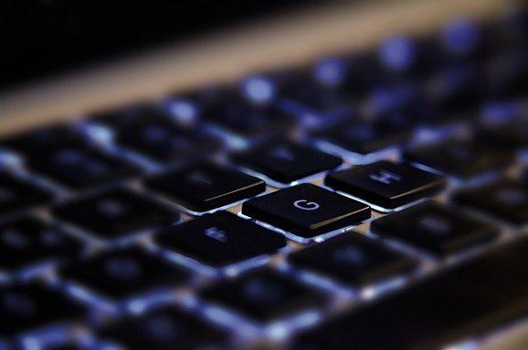 Keyboard with glow